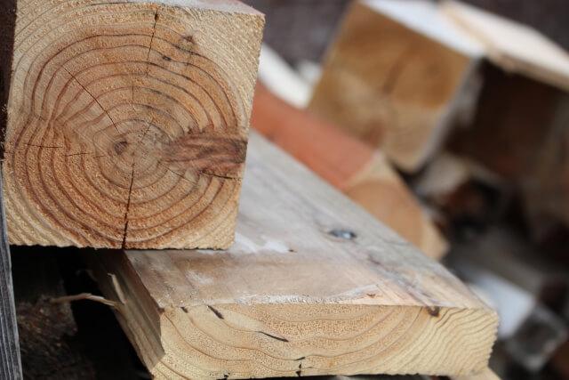 【木材の処分】労力VSコスト!木材を処分する方法と注意点を知ろう!