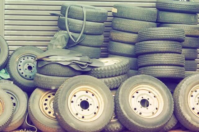 【タイヤの引き取り】タイヤはゴミに出せないの?