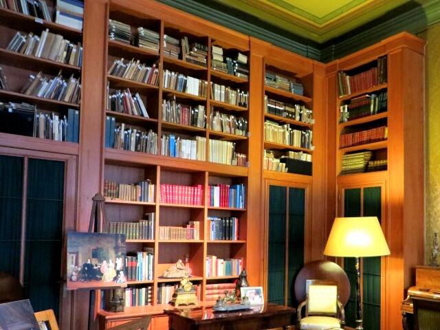 【本棚の処分】不要になった本棚を処分してスペースの有効活用をしよう!