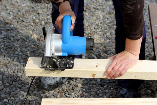 【DIYの木材】余った木材は小さく切って処分しよう!