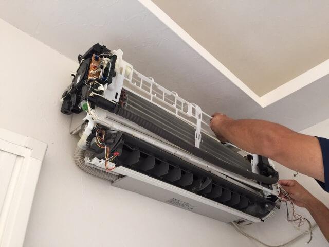 コスト削減!エアコンはセルフクリーニングできる?